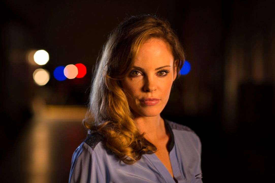 (1. Staffel) - Die toughe Rebecca Ellis (Chandra West) wird zur Leiterin des Covert Investigations Unit (CIU) berufen. Aufgrund ihrer grundverschied... - Bildquelle: Jan Thijs 2013 Muse Entertainment / Back Alley Film Productions