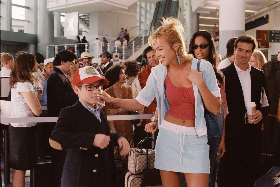 Heather (Arielle Kebbel, r.) lässt sich keine Möglichkeit, ihren kleinen Bruder Billy (Ryan Pinkston, l.) zu ärgern, entgehen ...