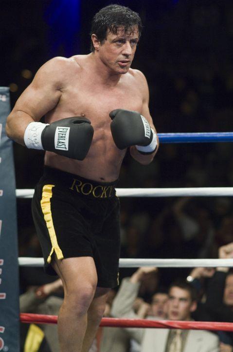 Jahre nach seinem letzten Kampf erhält Rocky Balboa (Sylvester Stallone) ein verführerisches Angebot ...