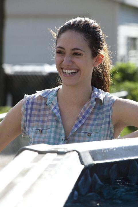 Ahnt nicht, dass der Sommerspaß am Pool von Craigs Ehefrau unterbrochen wird: Fiona (Emmy Rossum) ... - Bildquelle: 2010 Warner Brothers