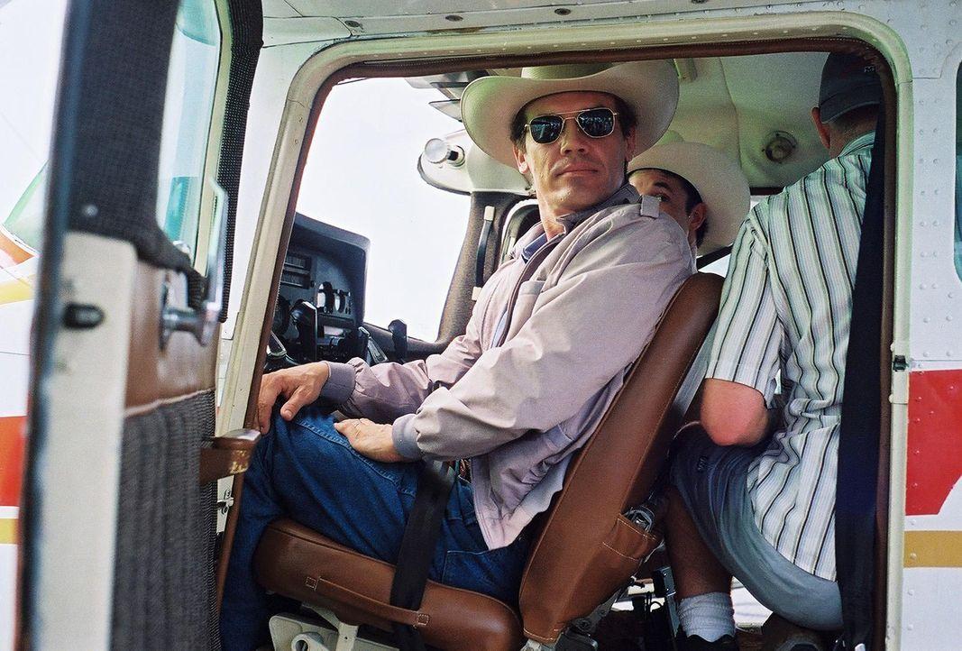 Zunächst ist George W. Bush (Josh Brolin) das schwarze Schaf der Bush-Familie. Immer wieder muss sein Vater ihm aus der Klemme helfen. Doch plötzl... - Bildquelle: Sidney Ray Baldwin 2008 Lionsgate Entertainment. All Rights reserved.