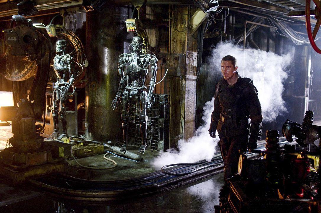 Auf der gefahrvollen Suche nach seinem Vater in spe wagt sich John Connor (Christian Bale) direkt hinein ins Herz der feindlichen Organisation ... - Bildquelle: 2009 T Asset Acquisition Company, LLC. All Rights Reserved.