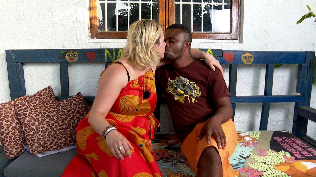 Beim Staffelfinale eskalieren die Emotionen: Auf Sansibar lüften Andrea und ... - Bildquelle: ATV