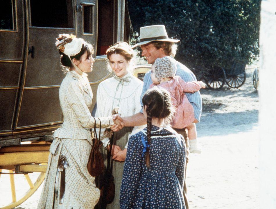 (v.l.n.r.) Die blinde Jane Canfield (Jill Schoelen) wird von Laura (Melissa Gilbert), Almanzo (Dean Butler) und Jenny Wilder (Shannen Doherty) in Wa... - Bildquelle: Worldvision