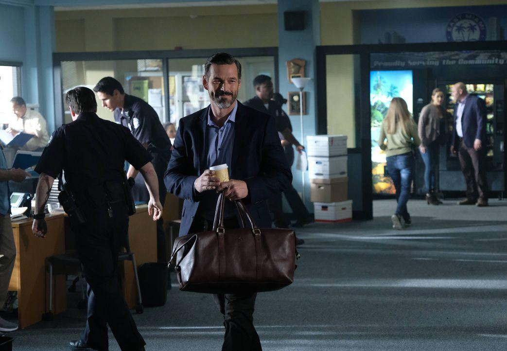 Kehrt zurück auf das Revier und hat sofort große Probleme: Ryan Slade (Eddie Cibrian) ... - Bildquelle: 2016-2017 Fox and its related entities. All rights reserved.