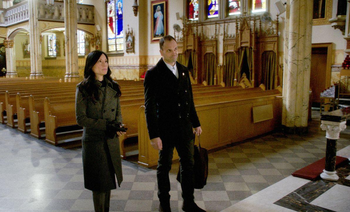 (v.l.n.r.) Dr. Watson (Lucy Liu); Sherlock Holmes (Jonny Lee Miller) - Bildquelle: 2018 CBS Broadcasting, Inc. All Rights Reserved