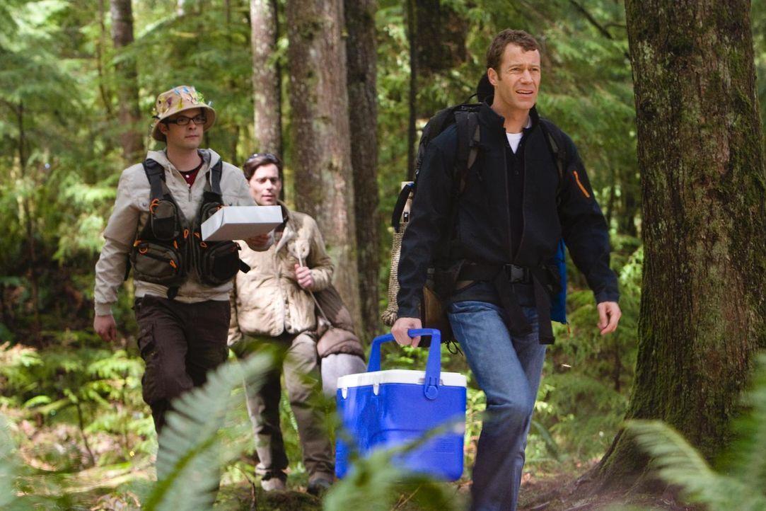 Gehen übers Wochenende gemeinsam zum Campen: Carter (Colin Ferguson, r.), Fargo (Neil Grayston, l.) und Grant (James Callis, M.) ... - Bildquelle: Universal Television