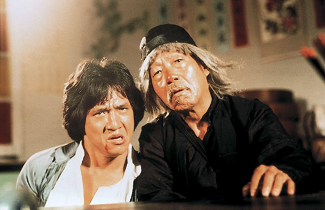 Wong Fei-Hung (Jacky Chan, l.); Beggar So (Yuen Hsiao Tien, r.) - Bildquelle: 1978, 1985 Seasonal Film Corporation. All Rights Reserved.