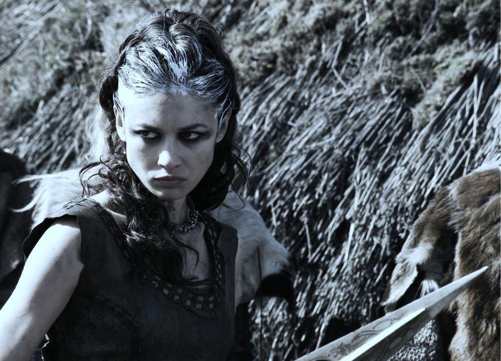 Ist keineswegs den Römern treu ergeben: Fährtenleserin Etain (Olga Kurylenko) ...