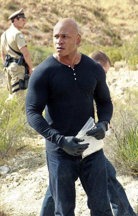 Ein berüchtigter Waffenhändler und ein Seemann werden erschossen hinter der mexikanischen Grenze aufgefunden. Sam (LL Cool J) und seine Kollegen beg... - Bildquelle: CBS Studios Inc. All Rights Reserved.