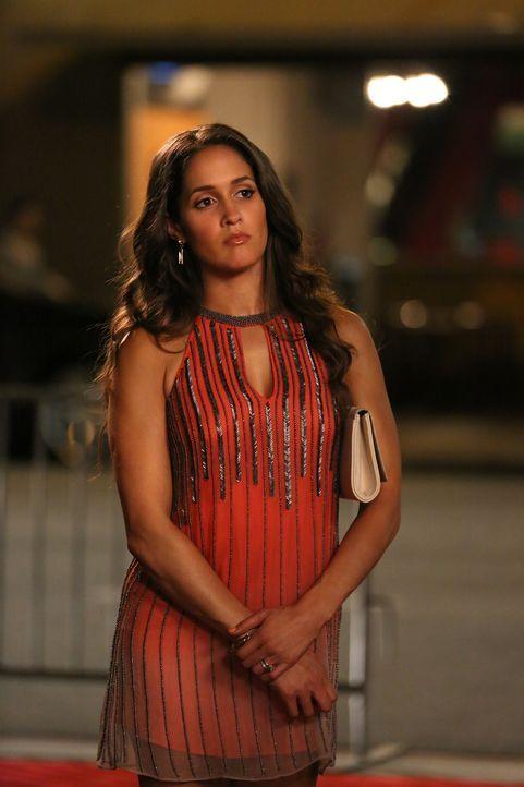 Als Villa (Jaina Lee Ortiz) einen Freund von Rosewood kennenlernt, muss sie sich - wenn auch schweren Herzens - eingestehen, dass dieser sie weit me... - Bildquelle: 2015-2016 Fox and its related entities.  All rights reserved.