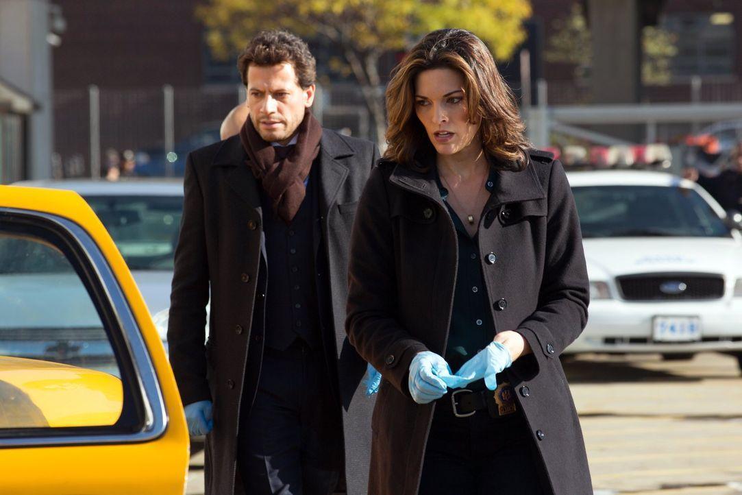 Machen Jagd auf einen skrupellosen Mörder: Henry (Ioan Gruffudd, l.) und Jo (Alana de la Garza, r.) ... - Bildquelle: Warner Brothers