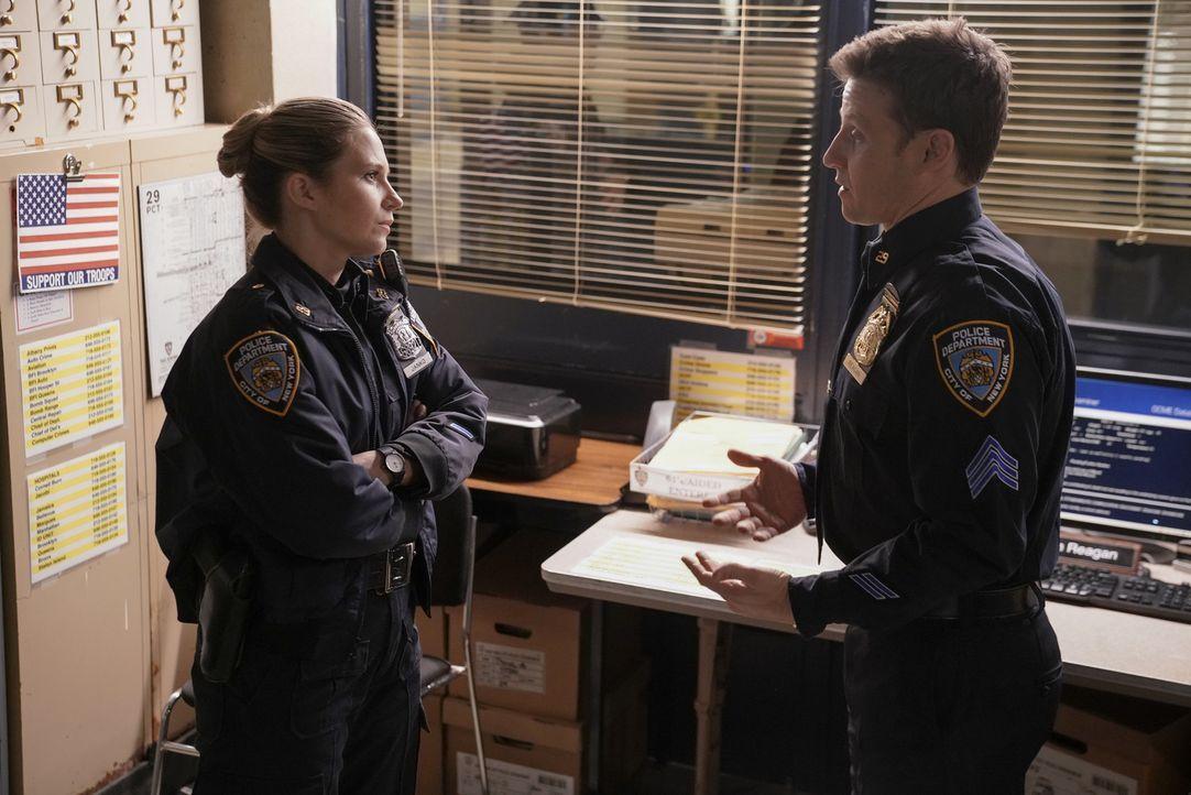 Eddie Janko (Vanessa Ray, l.); Jamie Reagan (Will Estes, r.) - Bildquelle: Patrick Harbron 2018 CBS Broadcasting, Inc. All Rights Reserved.