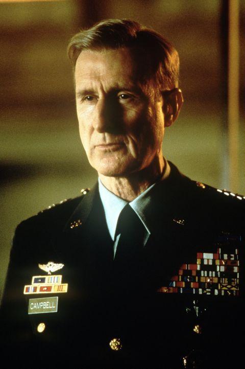 """Joe Campbell (James Cromwell) ist ein äußerst erfolgreicher General der US-Army, der unter dem Namen """"Fighting"""" bekannt geworden ist. Außerdem ist e... - Bildquelle: Paramount Pictures"""