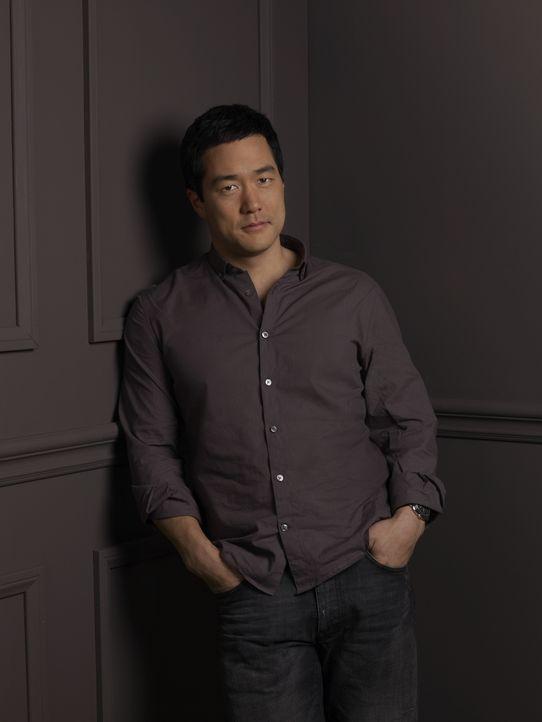 (2. Staffel) - Steht seinen Kollegen stets zur Seite: Kimball Cho (Tim Kang) ... - Bildquelle: Warner Bros. Television