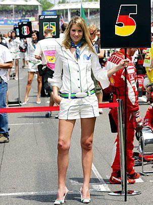 So sexy kann ein sportliches Outfit sein - Bildquelle: DPA