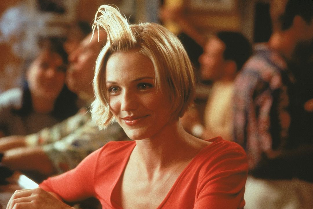 Die liebenswürdige Mary Jenson (Cameron Diaz) muss sich mit zahlreichen unbeholfenen Verehrern rumschlagen. Denn nicht nur die High School-Bekannts... - Bildquelle: 1998 Twentieth Century Fox Film Corporation. All rights reserved.