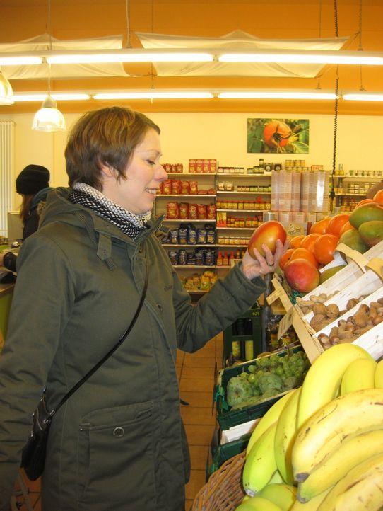 Lisa Rentrop verspricht das stressfreie Glück in Tüten - 2 Papiertaschen voller frischer Lebensmittel und leckerer Rezepte: alles drin und exakt a... - Bildquelle: kabel eins