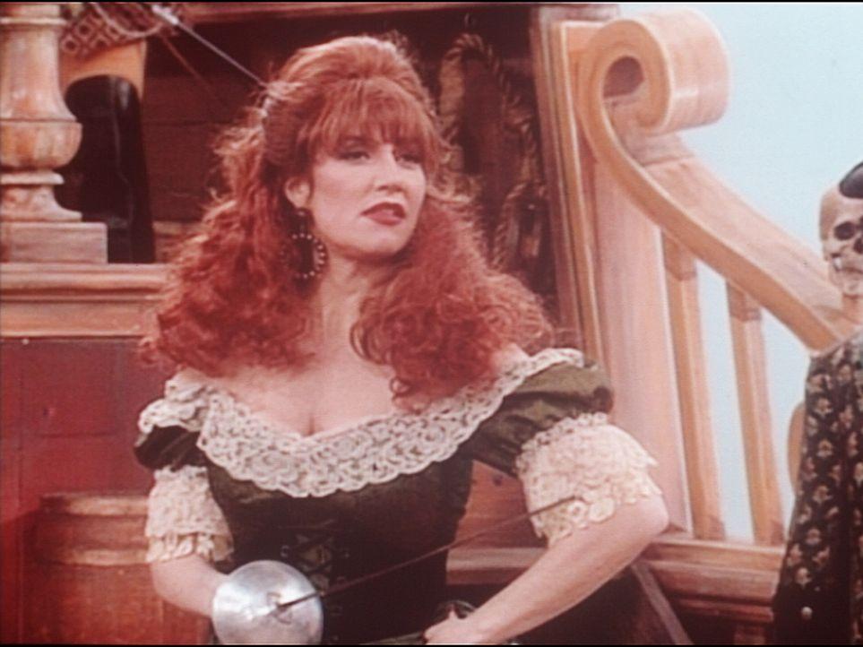 In ihren Träumen sieht sich Peggy (Katey Sagal) als Piratenbraut Scarlett ... - Bildquelle: Columbia Pictures