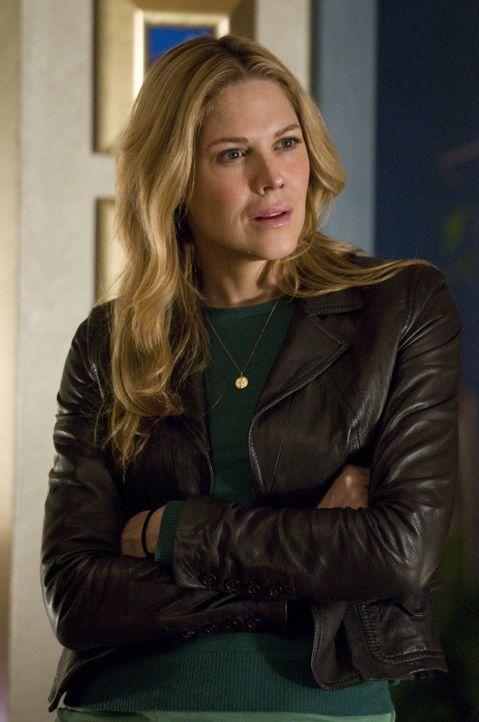 Inspector Mary Shannon (Mary McCormack) darf am aktuellen Fall nur inoffiziell mitarbeiten, weil sie nach ihrer Entführung beurlaubt ist ... - Bildquelle: USA Network