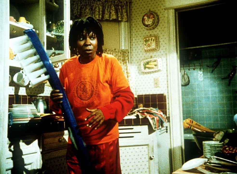 Schon seit Jahren träumt Terry (Whoopi Goldberg) von einem Märchenprinzen, der sie aus dem öden Alltag herausholt ... - Bildquelle: 20th Century Fox