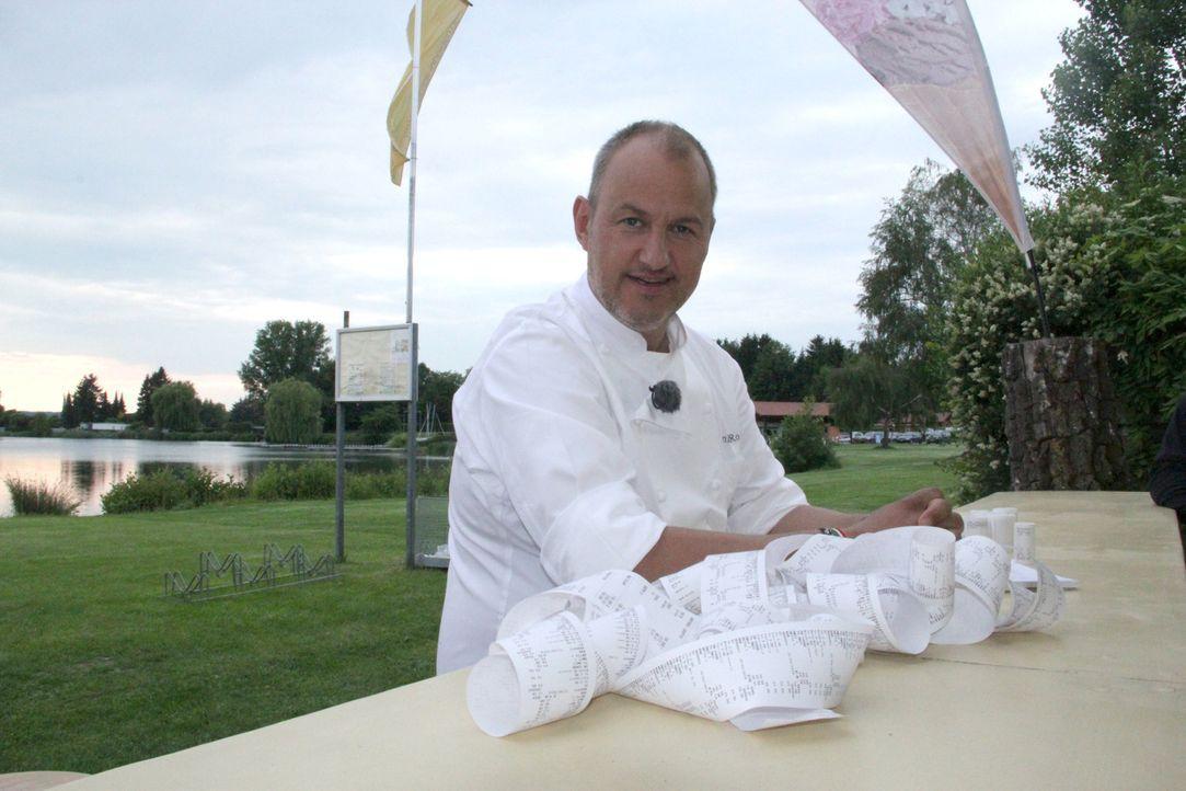 """Will frischen Wind ins Restaurant """"Seeblick"""" am Inheidener See bringen: Sternekoch Frank Rosin ... - Bildquelle: kabel eins"""