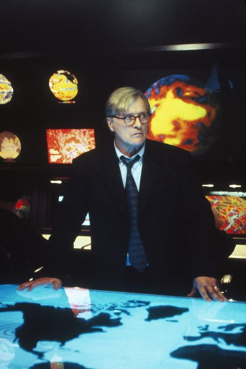 Präsident Nelson (Rutger Hauer) ist ratlos ... - Bildquelle: Highlight Film