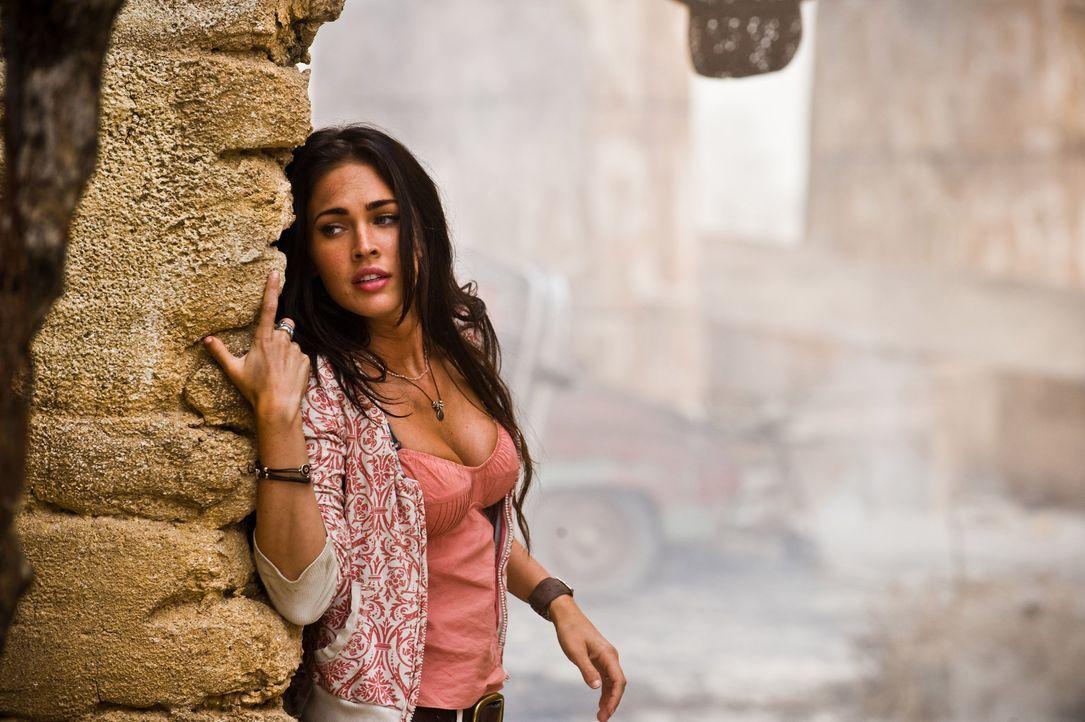 Auch Sams Freundin Mikaela (Megan Fox) muss noch einmal gegen die Decepticons kämpfen, die gestärkt zurückgekehrt sind, mit dem Plan, unsere Welt zu... - Bildquelle: MMIX DW STUDIOS L.L.C. and PARAMOUNT PICTURES CORPORATION. All Rights Reserved.