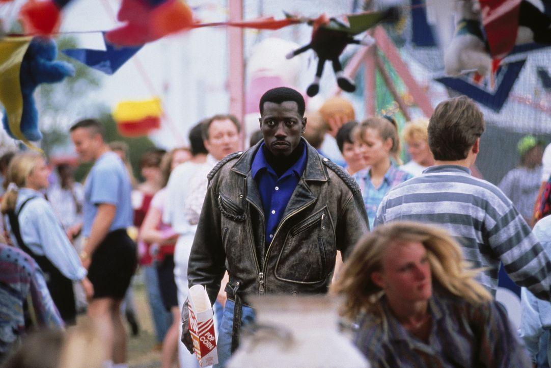 Nur einer leistet Widerstand: Passagier 57 - Antiterrorspezialist John Cutter (Wesley Snipes) ... - Bildquelle: Warner Bros.