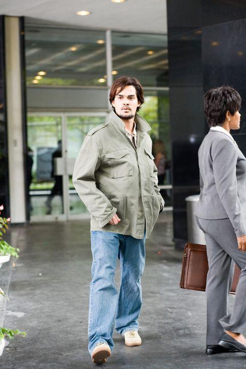 Erlebt eine blutige Überraschung: Samad (Lovake Heyer) ... - Bildquelle: 2009 Sony Pictures Home Entertainment Inc. All Rights Reserved.