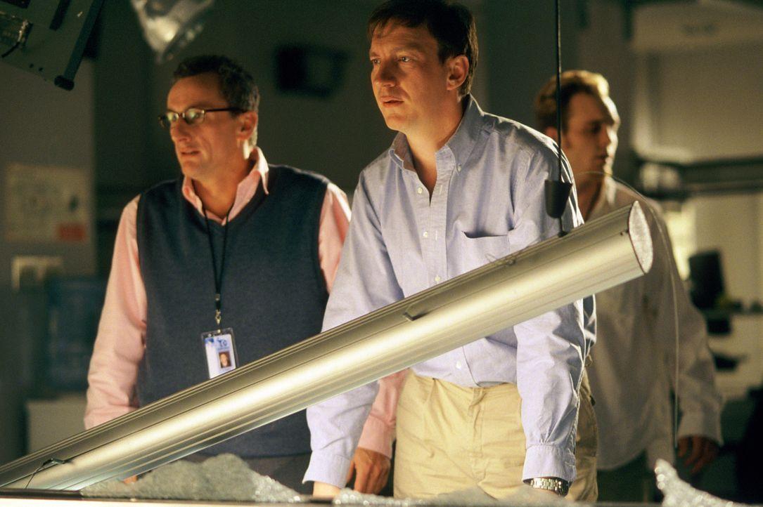 Haben eine bahnbrechende Erfindung gemacht, die es ermöglicht, alles und jeden an jeden Ort der Erde zu transportieren: Robert Doninger (David Thewl... - Bildquelle: Concorde Filmverleih GmbH