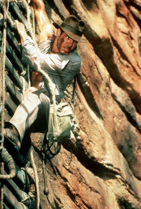 Die Flucht vor dem hünenhaften und brutalen Hohepriester des Shiva-Kultes Mola Ram ist noch nicht ganz gelungen, denn jetzt muss Indy (Harrison For... - Bildquelle: Paramount Pictures