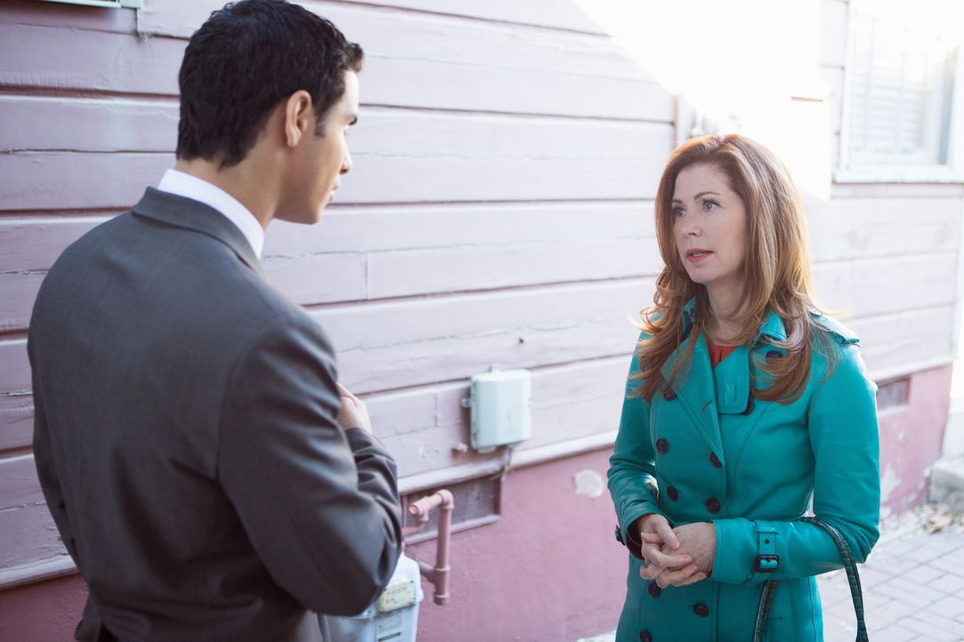 Adam (Elyes Gabel, l.) will Megan (Dana Delany, r.) helfen, die Unschuld von Tommy Sullivan, der des Mordes verdächtigt wird, zu beweisen ... - Bildquelle: 2013 American Broadcasting Companies, Inc. All rights reserved.