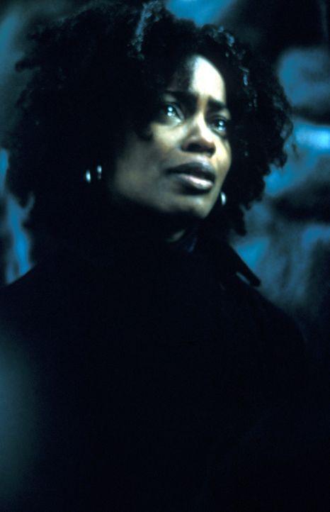 Zu ihrem Entsetzten muss Lulu Ledbetter (Aunjanue Ellis) feststellen, dass ihr Vater Romulus auf eigene Faust in einem Mordfall ermittelt ... - Bildquelle: Francise Productions