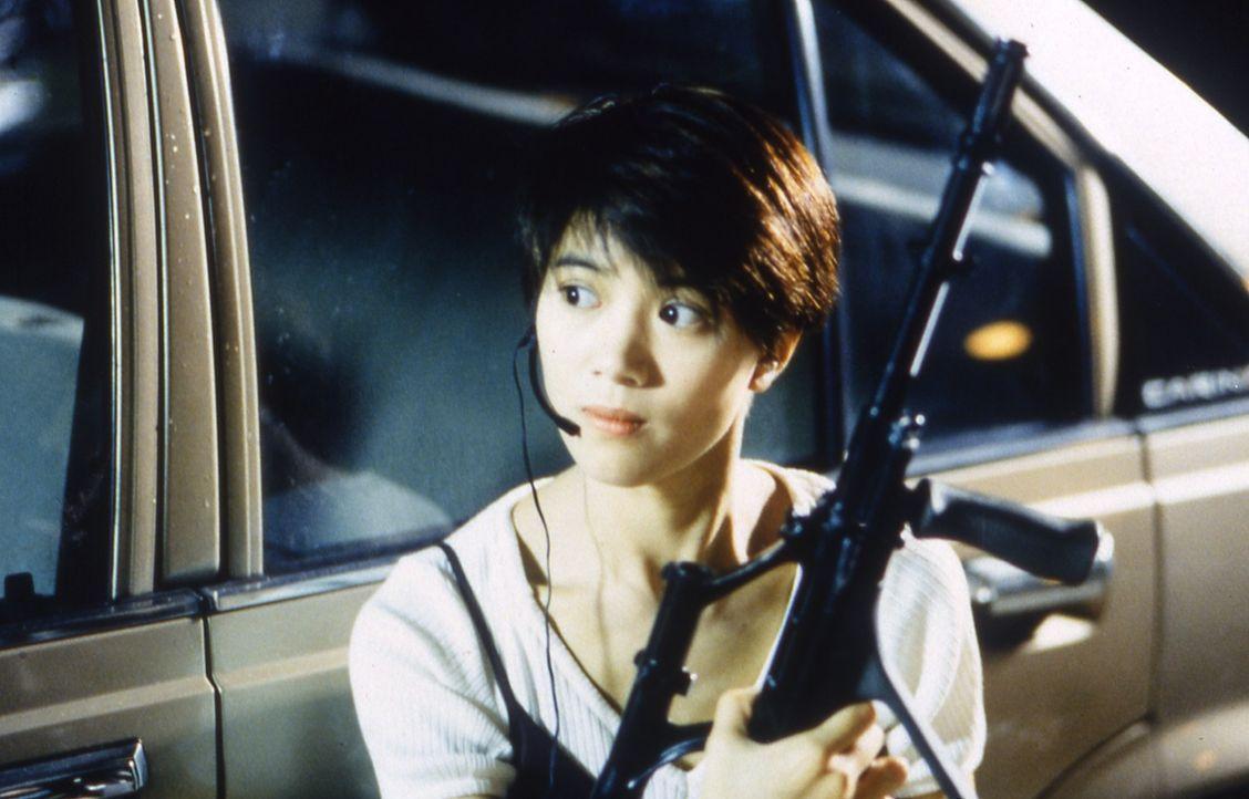 Eigentlich will Siu Kam (Anita Yuen) den chinesischen 007 erledigen, aber dann verliert sie ihr Herz an den Top-Agenten Ling Ling Chai ... - Bildquelle: Splendid Film