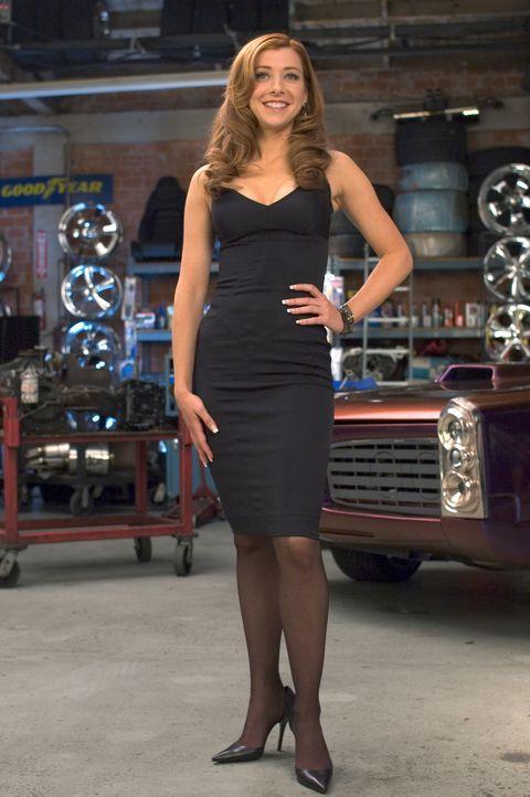 """Nachdem Julia (Alyson Hannigan) Hitch um Rat gefragt hat, wird sie erstmal """"umgepimpt"""" - und siehe da, aus dem Pummelchen wird ein heißer Feger. - Bildquelle: Epsilon Motion Pictures"""