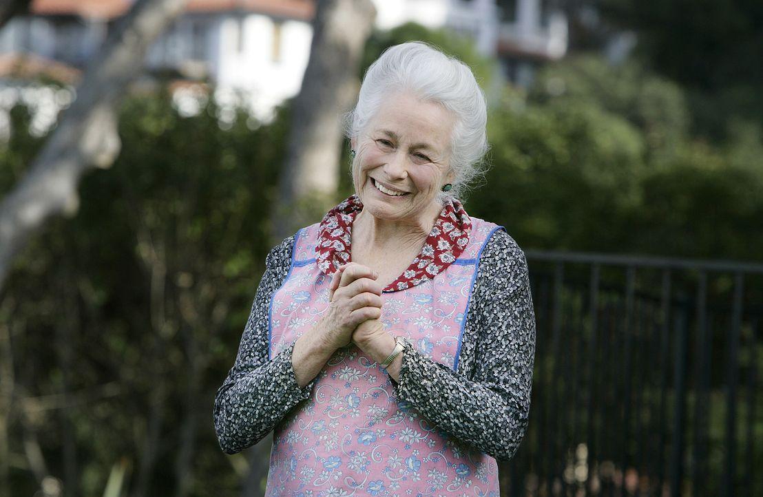 Die bereits verstorbene Großmutter Benoit (Ellen Geer) nimmt Kontakt zu Allison auf ... - Bildquelle: Paramount Network Television