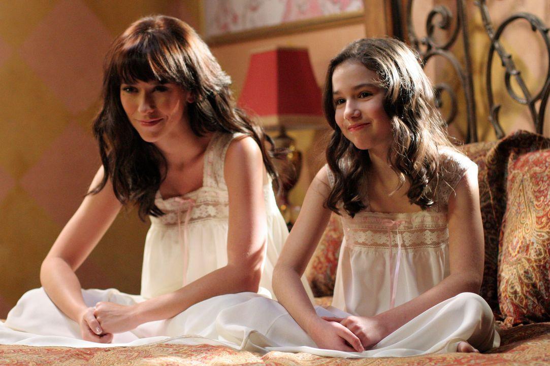 Melinda (Jennifer Love Hewitt, l.) und sie selbst als kleines Mädchen (Grace Fulton, r.) - Bildquelle: ABC Studios