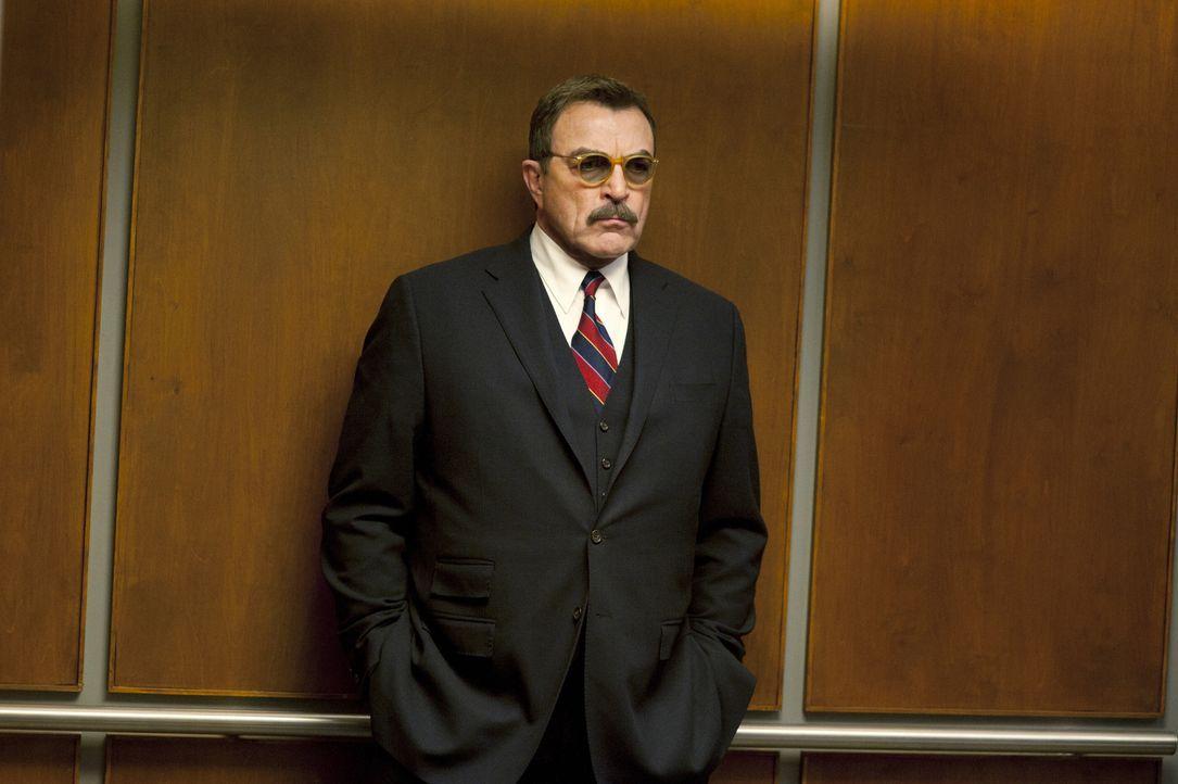 Seine Prominenz, die ihm die hohe Position bei der Polizei verschafft hat, gefällt Frank (Tom Selleck) gar nicht ... - Bildquelle: 2011 CBS Broadcasting Inc. All Rights Reserved