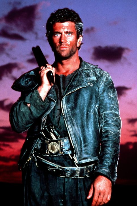 Als Mad Max (Mel Gibson) bei einem Überfall um sein letztes Hab und Gut gebracht wird, führt ihn die Suche nach seinen Habseligkeiten in die festu... - Bildquelle: Warner Bros.