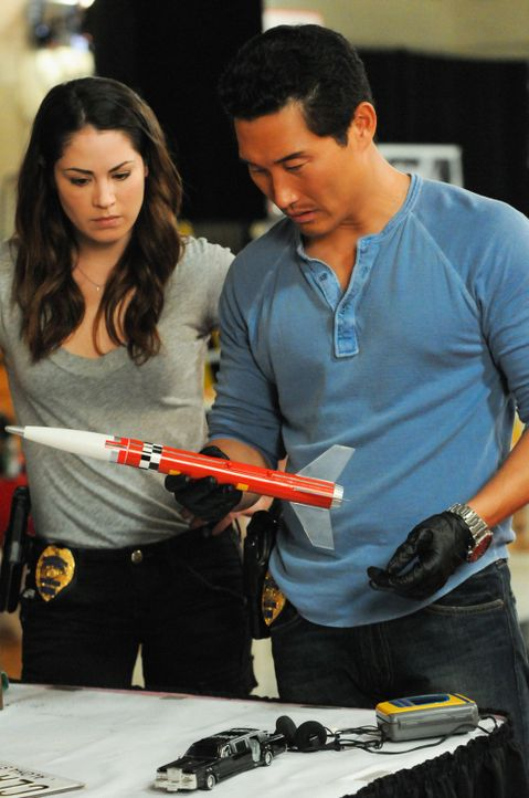 Können sie den Mordfall an Laura aufdecken? Chin (Daniel Dae Kim, r.) und Catherine (Michelle Borth, l.) ... - Bildquelle: 2013 CBS Broadcasting Inc. All Rights Reserved