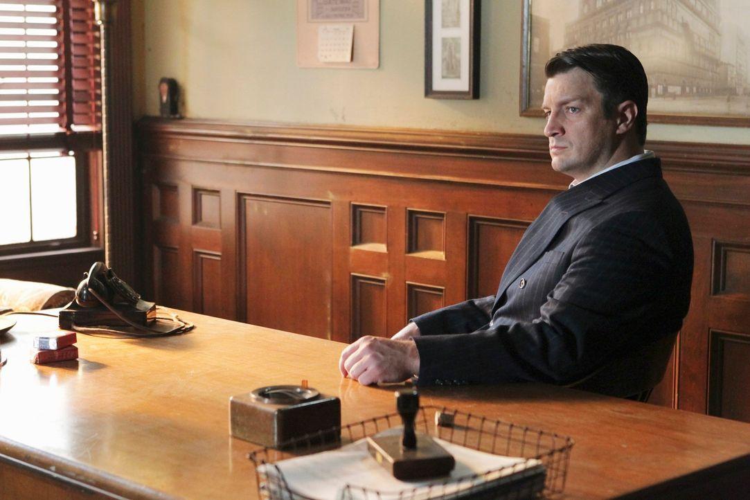 In seinen Gedanken sieht sich Castle (Nathan Fillion) als Privatdetektiv Joe Flynn aus dem Jahr 1947, der dabei ist, zwei Mordfälle aufzuklären ... - Bildquelle: 2011 American Broadcasting Companies, Inc. All rights reserved.