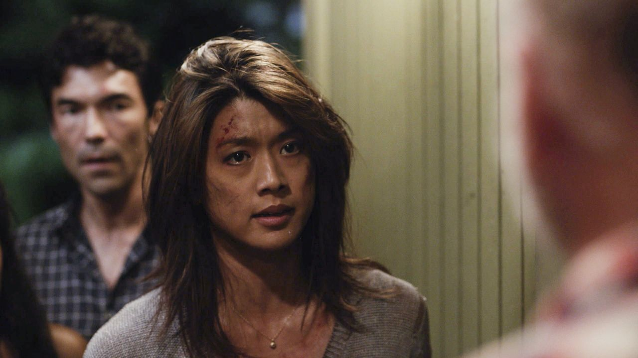 Muss Todesqualen überstehen, als sie von einer Bande, die zu einem Todeskult gehört, entführt wird: Kono (Grace Park) ... - Bildquelle: Norman Shapiro 2016 CBS Broadcasting, Inc. All Rights Reserved / Norman Shapiro
