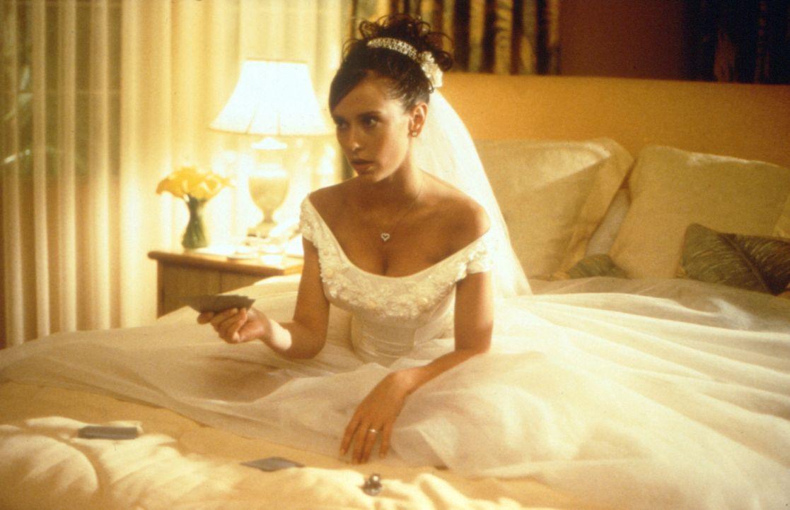Sie sind zwei hinreißend verdorbene Schurkinnen: Während ihre Mutter Max reiche Männer heiratet, verführt ihre Tochter Page (Jennifer Love Hewitt) s... - Bildquelle: Studiocanal