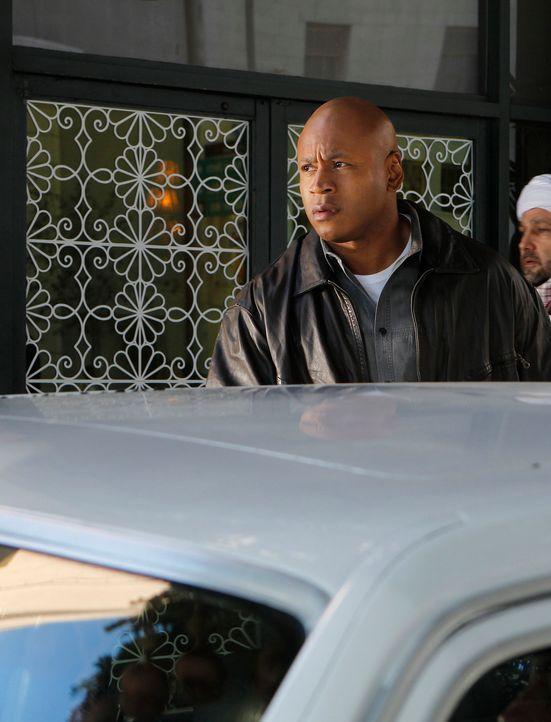Ermittelt undercover als Hakeem Fayad in Jemen: Sam (LL Cool J) ... - Bildquelle: CBS Studios Inc. All Rights Reserved.