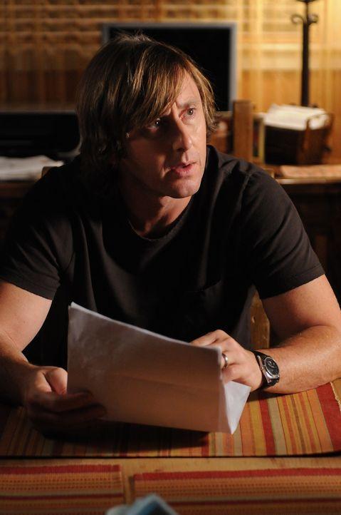 Joe (Jake Weber) erhält eine Zwangsvorladung: Ein ehemaliger Arbeitskollege beschuldigt ihn, Entwürfe gestohlen zu haben. - Bildquelle: Paramount Network Television