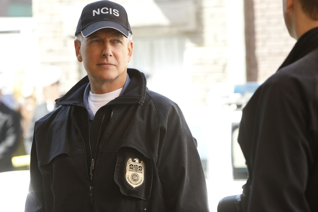 Ermittelt in einem neuen Fall: Gibbs (Mark Harmon) ... - Bildquelle: 2012 CBS Broadcasting Inc. All Rights Reserved.