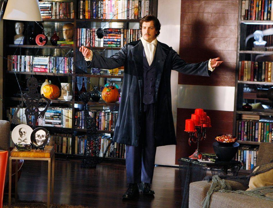 Für seine Halloween-Party hat sich Richard Castle (Nathan Fillion) in Schale geschmissen. - Bildquelle: ABC Studios