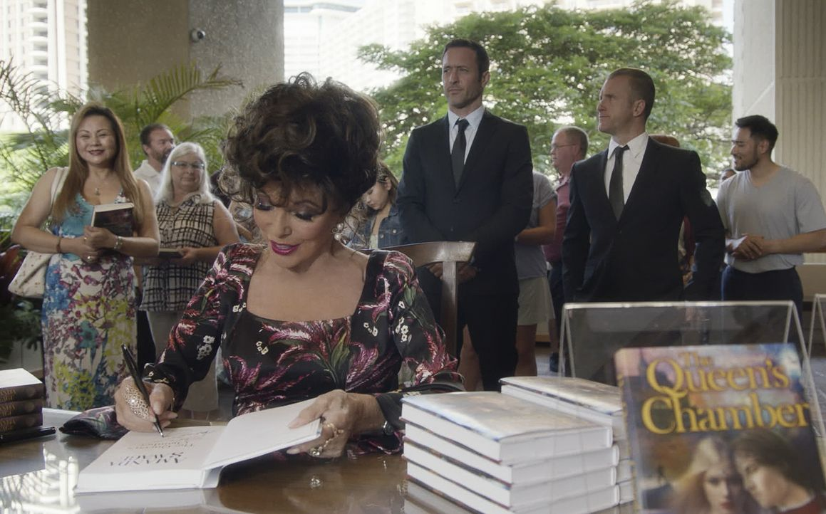 (v.l.n.r.) Amanda Savage (Joan Collins); Steve McGarrett (Alex O'Loughlin); Danny Williams (Scott Caan) - Bildquelle: 2019 CBS Broadcasting, Inc. All Rights Reserved