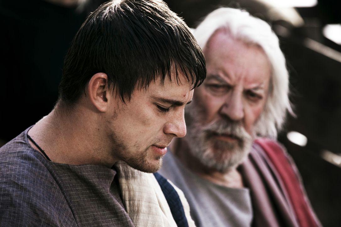 Marcus Aquila (Channing Tatum, l.); Onkel Aquila (Donald Sutherland, r.) - Bildquelle: 2011 Concorde Filmverleih GmbH
